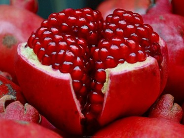 pomegranat-aphrodisiacs-by-green-blender-600x450